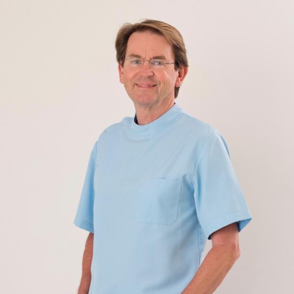 Dr Ian Pelling